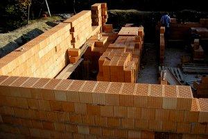 Преимущества строительного кирпича